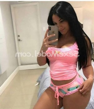 Ranine escorte girl sexemodel massage