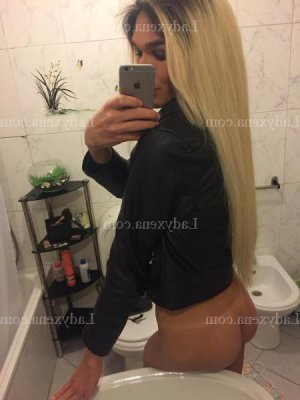 Carla escorte girl massage tantrique ladyxena à Guidel